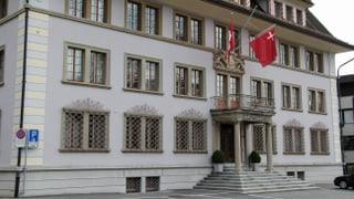 Positives Finanz-Rating für Kanton Schwyz - mit Vorbehalten