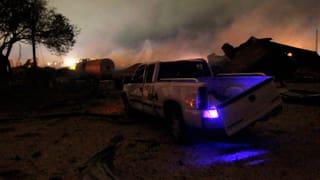 Retter in Texas durchkämmen die Trümmer