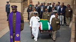 Abschied an Mandelas Sarg (Artikel enthält Video)