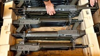 Exports d'armas scumandads vegnan guntgids – a moda legala