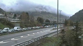 Richtung Norden: Stau vor dem Gotthard