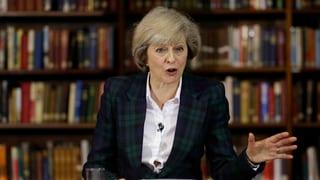 Hammond sustegna May tar sia candidatura sco primministra