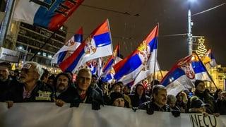 Tausende protestieren in Serbien gegen die Regierung