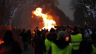 50'000 «Gelbwesten» protestieren in Frankreich