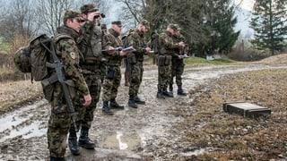 Militärexperte Bruno Lezzi: «Wenn Rebord über zu wenig Geld jammert, schadet das der Armee». Die Hintergründe erfahren Sie hier.