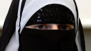 Glarus: Burka-Verbot wäre rechtlich zulässig