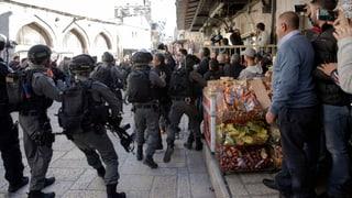 Ein Toter und über 700 Verletzte bei Protestdemonstrationen