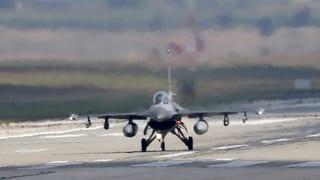 Heikler Moment: Türkei fängt russischen Kampfjet ab