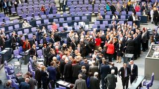 Bundestag winkt Aufschub für Griechenland durch