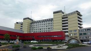 Weniger Lohn für Freiburger Spitalpersonal?