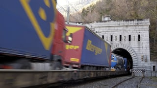 Record da transports da camiuns cun tren tras las alps