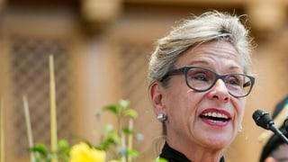 In Schaffhausen steht die Volksinitiative «Keine Steuergeschenke an Grossaktionäre» auf dem Stimmzettel. Die SP-Initiative will die so genannte Halbsatzbesteuerung von Dividenden abschaffen. Ausserdem stimmen die Schaffhauser über die Zusammenlegung der Friedensrichterämter ab.