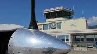 Bei viel Flugverkehr soll ein Fluglotse im Tower sitzen