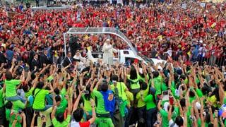 Grösste Papstmesse aller Zeiten – trotz strömendem Regen
