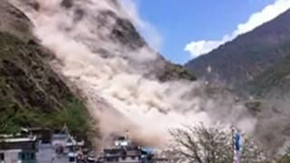 Nepal: Riesige Geröll-Lawine nach Erdbeben