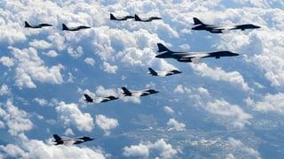 Militär-Manöver vor nordkoreanischer Küste