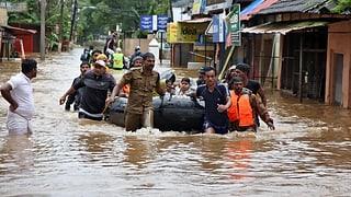 Mehr als 300 Flutopfer in Indien