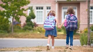 Schlechtes Zeugnis für Schultheks: Viele sind schlecht sichtbar