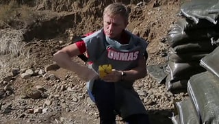 Mission im Auftrag der UN – Daniel Craig sprengt Panzermine