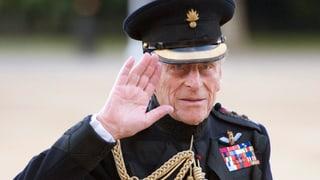 Prinz Philip meldet sich zum Dienst zurück
