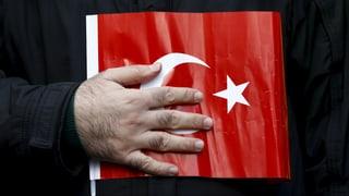 Lesen Sie hier mehr über die Gülen-Bewegung