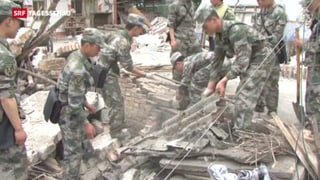Erdbeben-Opfer in China warten wütend auf Hilfe