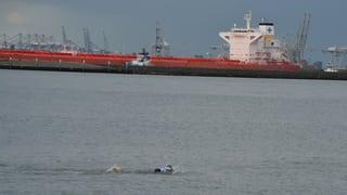 Ernst Bromeis schwimmt ans Ziel nach 1247 Kilometern