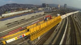 Brückenmonster in Zürich auf der Zielgeraden