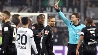 Kartenfestival bei Frankfurt-Sieg über Leverkusen (Artikel enthält Audio)