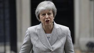 Kämpferische Töne von May, Kritik von der Opposition