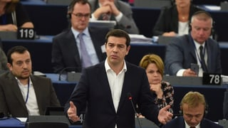 Tsipras cumbatta cun il parlament d'Europa