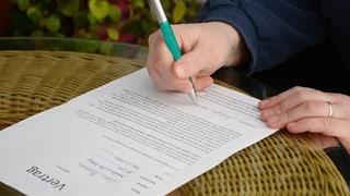 Firmen sollen Kunden an Kündigungsfrist erinnern (Artikel enthält Audio)