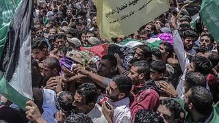 Trauermarsch wird zu Massenprotest