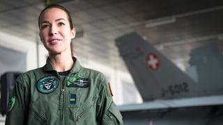 Die Schweiz hat ihre erste Kampfjet-Pilotin (Artikel enthält Video)