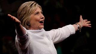US-Vorwahlen: Clinton feiert, Sanders gibt nicht auf