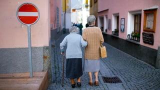 Besonders die Erhöhung des Rentenalters für Frauen ist umstritten. Lesen Sie hier, was Frauenorganisationen dazu sagen.