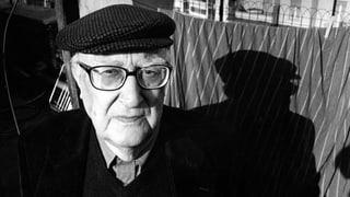 Der italienische Beststeller-Autor stirbt im Alter von 93 Jahren im Krankenhaus.