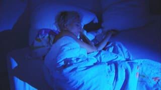 Video «Mit Klickgeräuschen zu effizientem Schlaf» abspielen