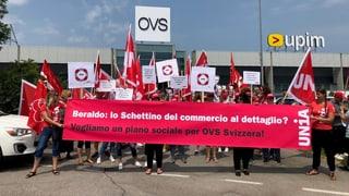 OVS-Angestellte protestieren vor Hauptsitz in Italien