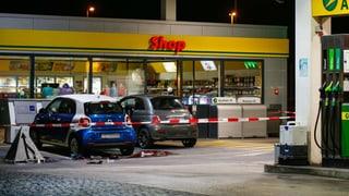 Polizei befragt Täter zum ersten Mal