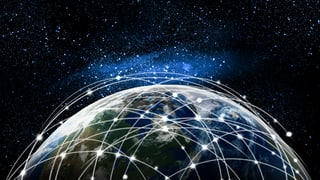 Internet für alle aus dem All: Der Wettlauf hat begonnen