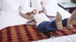 Video «Die richtige Matratze, Ärzte verstehen, Training gegen Stürze» abspielen
