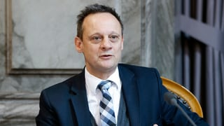 Stefan Engler persvada cussegl dals chantuns cun plurilinguitad