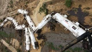 Schwefelsäure-Zug in Australien entgleist