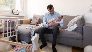 Vier Wochen Vaterschaftsurlaub – bald Realität in Neuenburg