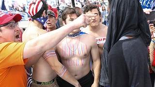 Trump-Gegner und Befürworter gehen aufeinander los