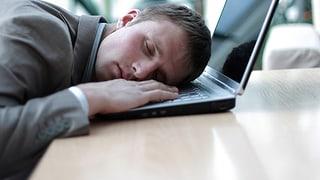 Zu wenig Schlaf macht wie betrunken (Artikel enthält Video)