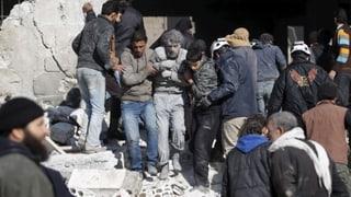 Syrer: Ausgebombt und ausgehungert