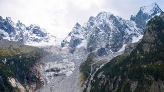 200'000 bis 500'000 Kubikmeter Fels sind am Piz Cengalo in Bewegung. Ein grösserer Felssturz am Samstagmorgen zeichnet sich ab.