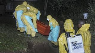 Ebola-Seuche greift auf Uganda über